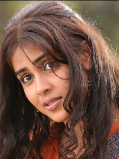 Genelia 240x320 -_8