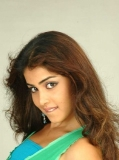 Genelia 240x320 -_18